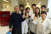 Prof Yong Xie (left) and his research team at HKUST