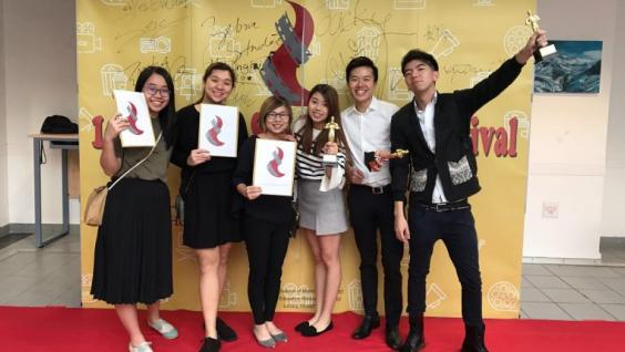 "Students of ""Independent Cinema in Contemporary China"" class participated in the first Redbird Student Film Festival."