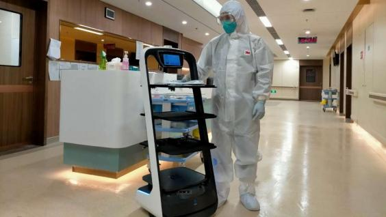 The autonomous delivery robot delivers food and necessities to isolated patients and minimizes the risk of cross-infection from human contact.