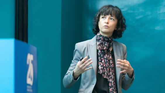 "Prof Emmanuelle Charpentier talks about ""The Transformative CRISPR-Cas9 Technology in Genome Engineering: Lessons Learned from Bacteria"" at HKUST 25th Anniversary Distinguished Speakers Series."