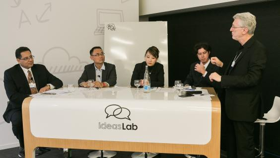 Four HKUST professors host an IdeasLab at Winter Davos.